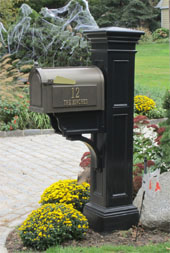 Whitehall Mailbox and Mayne Liberty Post