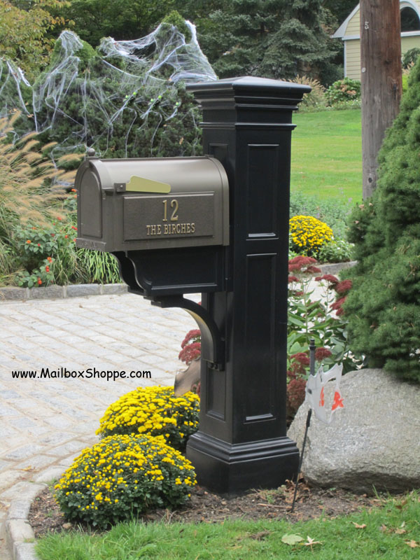 Whitehall Mailbox and Liberty Post